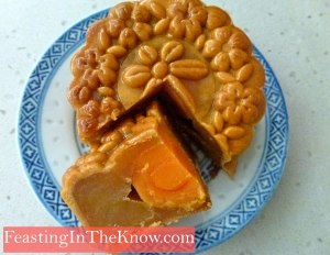 Moon cake with lotus seed paste and single yolk